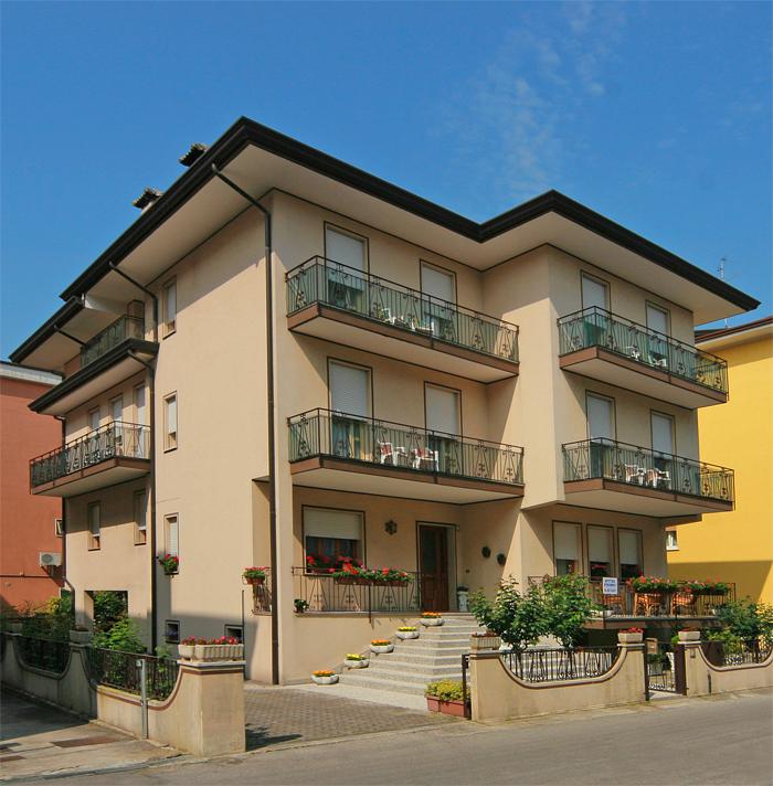 Soggiorno cella appartamenti caorle appartamento caorle for Appartamenti vacanze privati