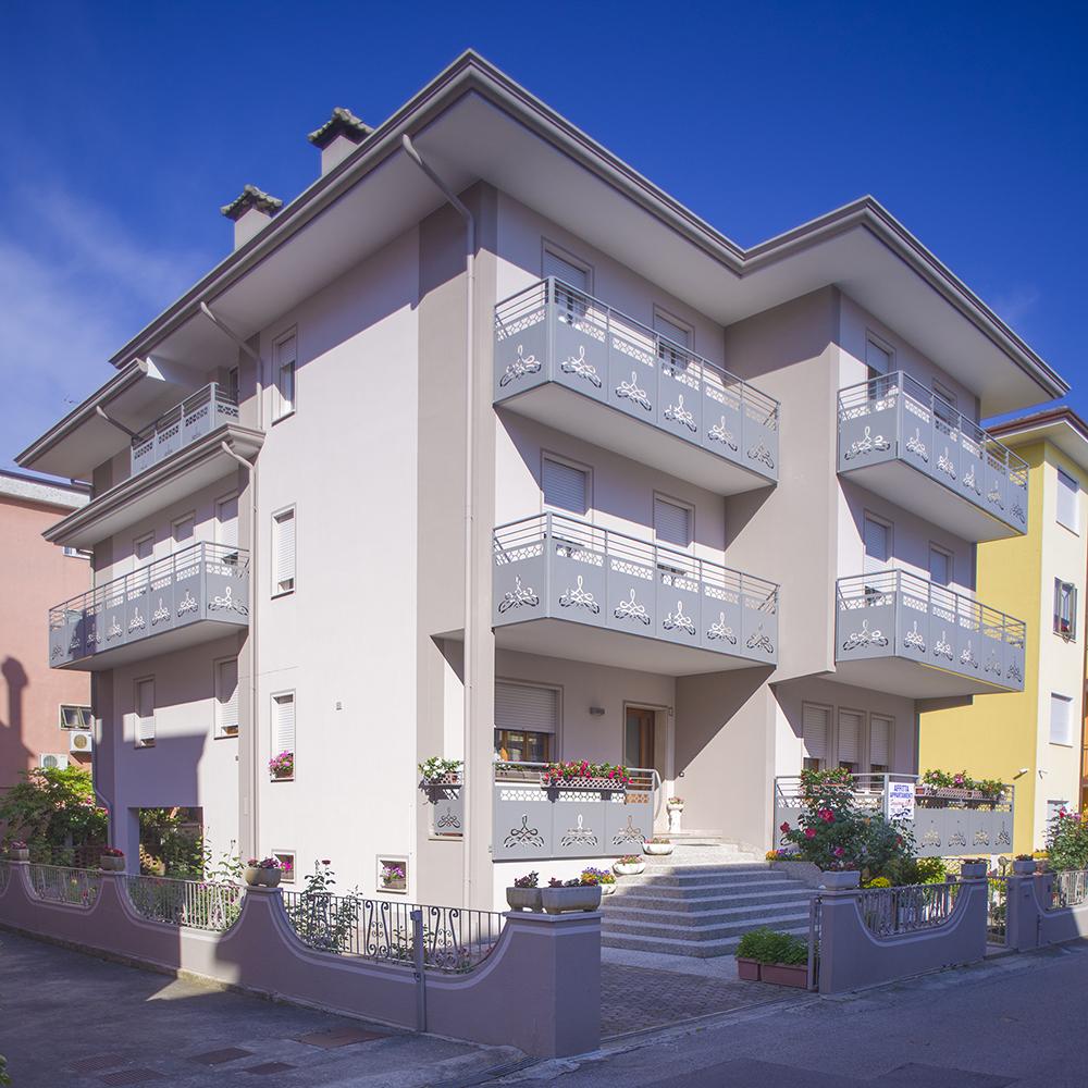 Soggiorno cella appartamenti caorle appartamento caorle for Appartamenti caorle